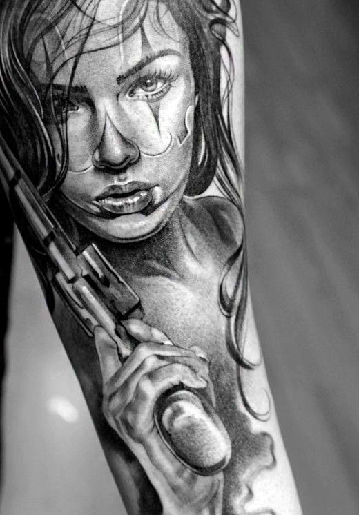 Hombres creativos's Pistol And Woman Tattoo On Forearm