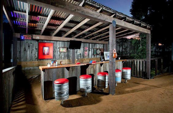 Manly Backyard Shed Bar Ideat