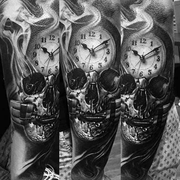 Hombres's Smoke Tattoos With Clock