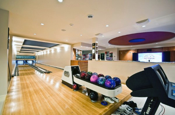 Game Rooms With Bowling Alley Ideas For Guys