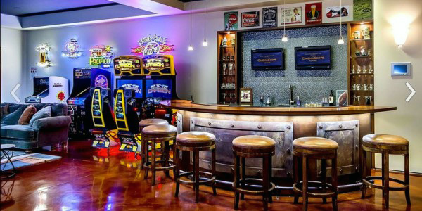 Amazing Arcade With Bar Mens Game Room Design Ideas