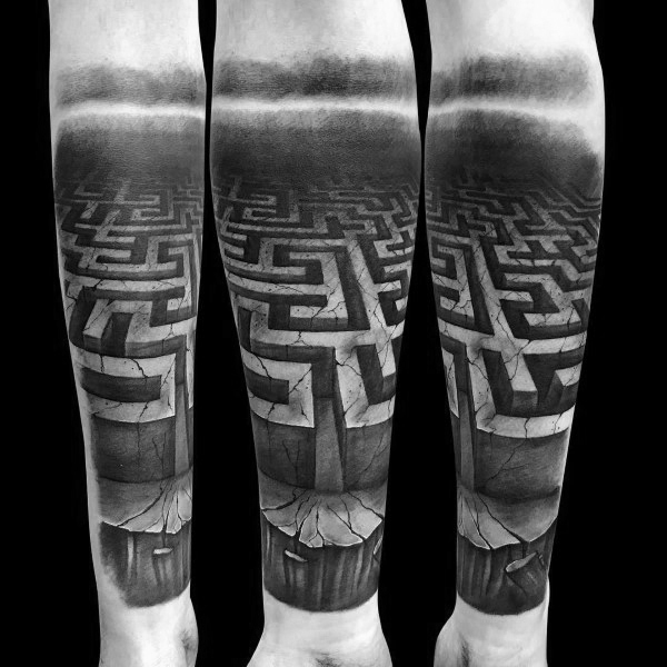 Labyrinth Tattoo Inspiration miehille