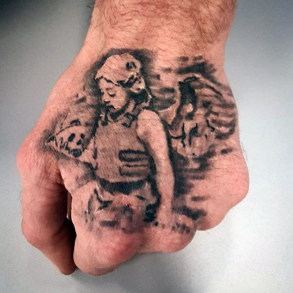 Coole Angel Banksy Mens Hand Tattoos