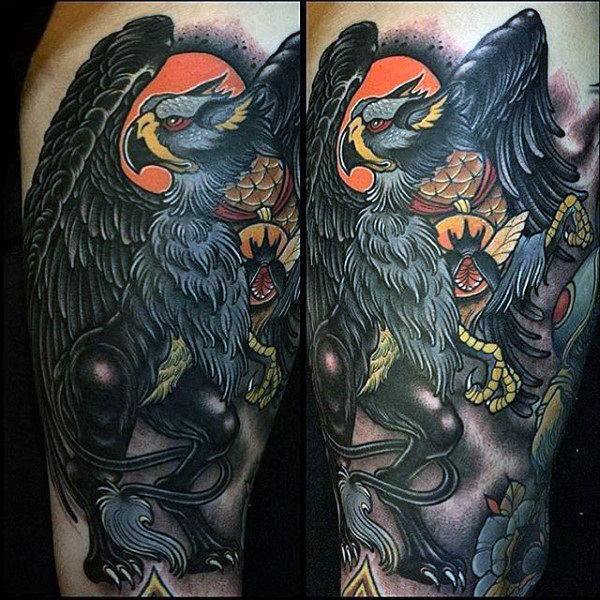 Guys Neo Traditional Griffin Muslo tatuaje diseño Ideas