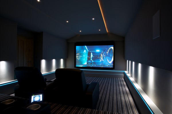 Futuristic Home Theater Lighting Display Ideas