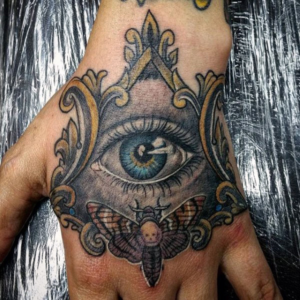 Alle Sehende Auge กับ Moth Mens Hand Tattoos