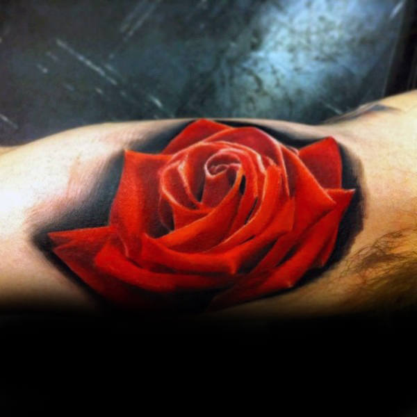Mens Inner Arm Bicep Black Ink Background Rojo realista Rose Flower Tattoo