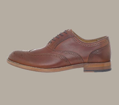Johnston y Murphy Clayton Medallion Wing Tip Oxford Hombres's Dress Shoes