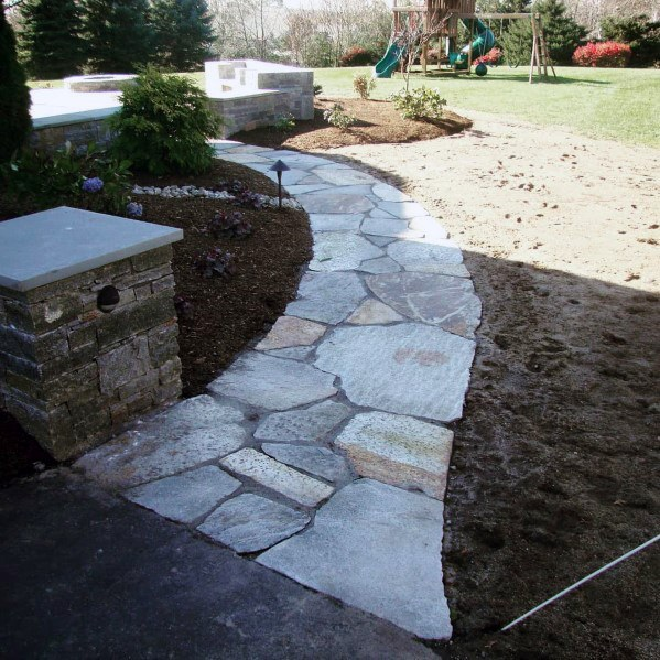 Ideas de diseño de Front of Home Flagstone Walkway