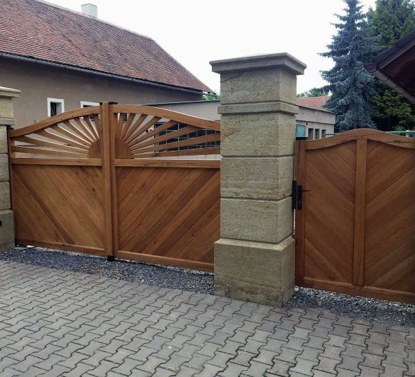 Luxury Wooden Gate Driveway Entrance