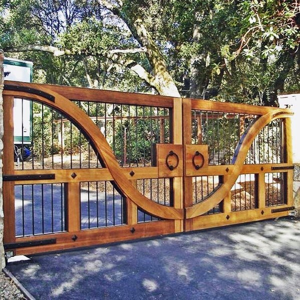 Ornate Driveway Wooden Gate With Metal Balusters