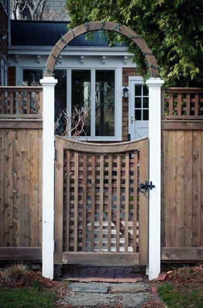Sleek Lattice Wooden Gate Ideas