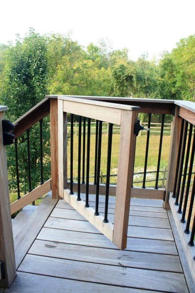 Awesome Wood Deck Gate Ideas With Metal Rod Balusters