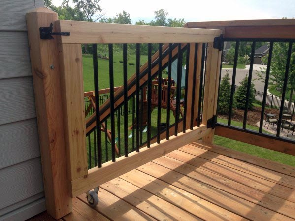 Rolling Wood Home Deck Gate Ideas