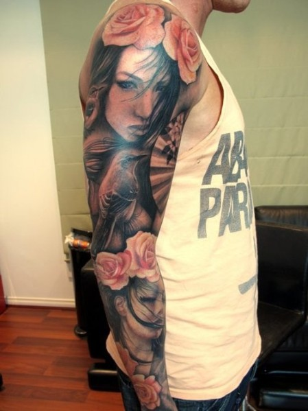 Bester Mann's Sleeve Tattoos